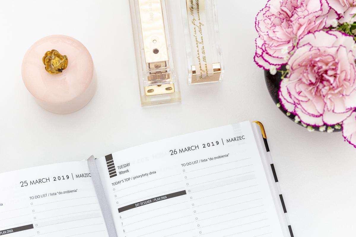 2019_simple_calendar_18