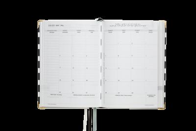 kalendarz 2020 do planowania celów strategicznych na biurku
